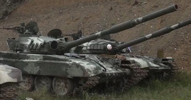Ələ keçirilmiş Ermənistan tankları