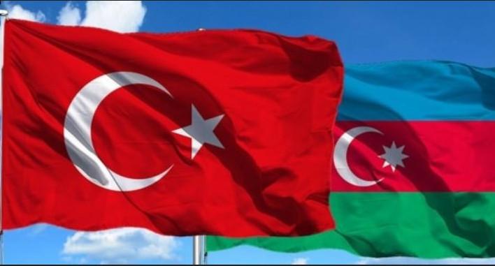 Türkiyə və Azərbaycan bayraqları