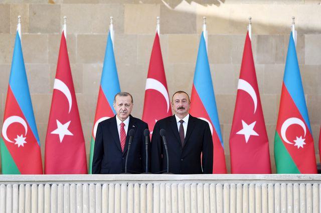 İlham Aliyev ve Recep Tayyip Erdoğan