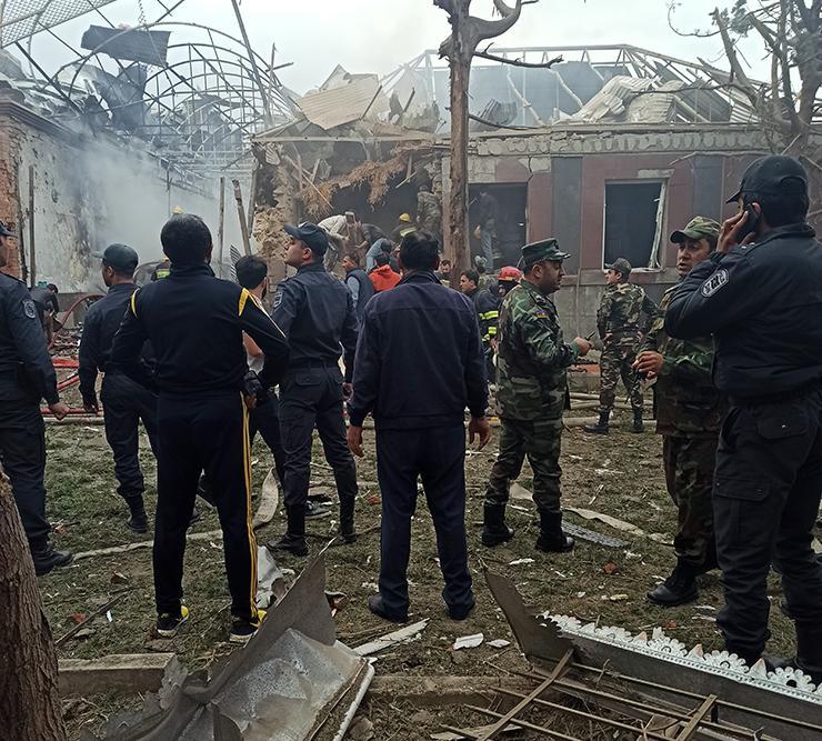MN: Düşmənin Gəncədəki hərbi obyektlərimizi vurması barədə məlumat yalandır - Fotolar