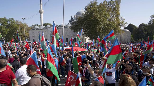 İstanbul Universiteti Azərbaycanlı gənclər