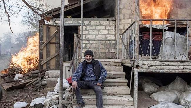 Evini yandıran erməni