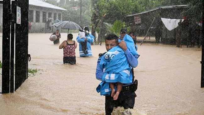 Qvatemalada fırtına - sel