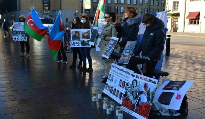 Helsinkidə erməni terroruna etiraz edilib - Foto