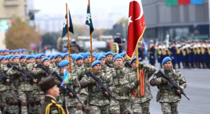 Türkiyə əsgərləri Bakıda paradda