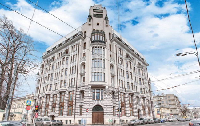 Alina Kabayevanın anası Lyubov Kabayevanın mənzilinin yerləşdiyi bina