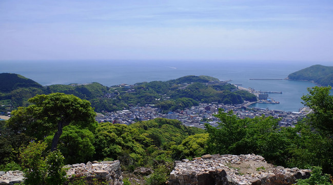 Tsuşima, Yaponiya, Sakit okean sahilləri