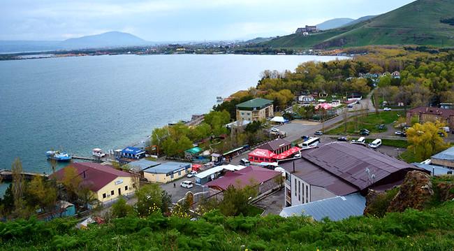 Göyçə gölü