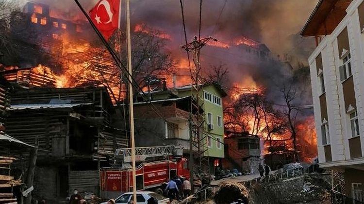 Türkiyədə bütöv bir kənd yanır - Foto