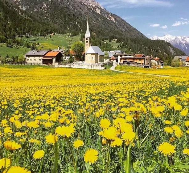 Bergün kəndində bahar, İsveçrə, Foto: www.pl.hi-traveller.com