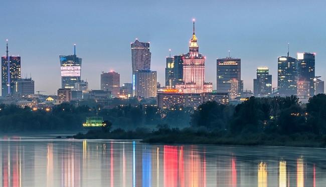 Avropa ölkəsi Rusiya və Belarusla sərhədlərini möhkəmləndirir