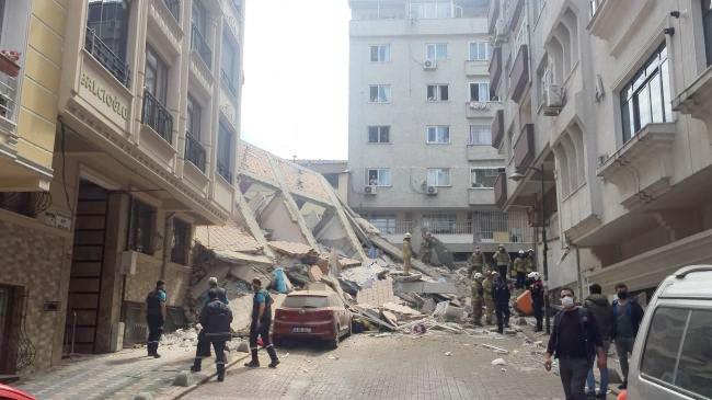 Batumidə yaşayış binası çöküb, dağıntılar altında qalanlar var - Video