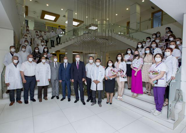 Mərkəzi Gömrük Hospitalında tibb işçilərinin peşə bayramına həsr edilmiş tədbir keçirilib