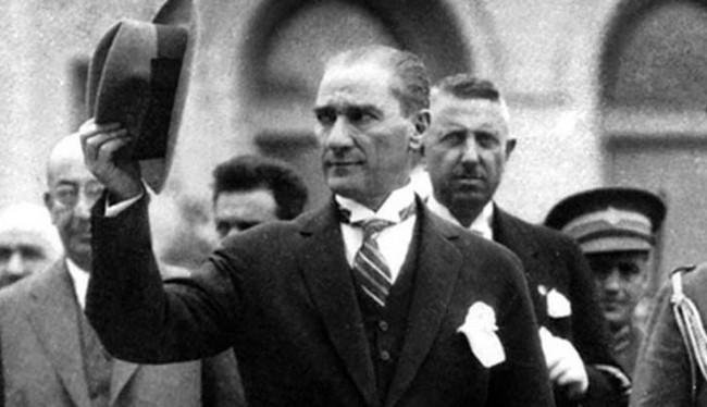 Atatürkün tarixə düşmüş o məşhur fotosunun hekayəsi - Foto