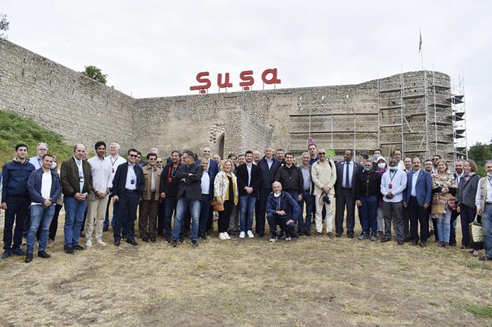 Diplomatlar Şuşada