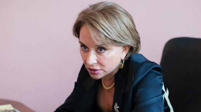 Leyla Şıxlinskaya külli miqdarda borca görə məhkəmə qarşısında