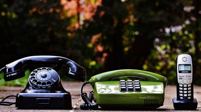 """İnternet telefoniya erası başlayıb: Stasionar telefonları """"dəfn edirikmi""""?"""