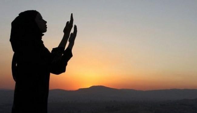 """Ömrü sınaqlarda keçən qadın: """"Allahdan qorxmağı öyrətdilər, onu sevməyi öyrətmədilər"""""""
