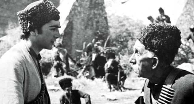 """""""7 oğul istərəm"""" filminin kadr arxası: Bu rola görə küçədə onun üzünə tüpürərək söyüblər"""