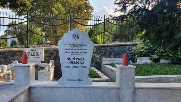 Nuri Paşanın məzarı