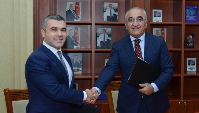 Bank Respublika və Azərbaycan Dövlət İqtisad Universiteti arasında əməkdaşlıq memorandumu imzalanıb